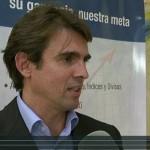 Conferencia y entrevista en la presentación de un broker inglés en España
